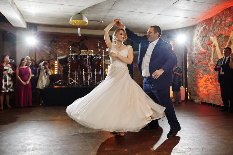 MOVE WITH CONFIDENCE AND GRACE ON YOUR WEDDING DAY -