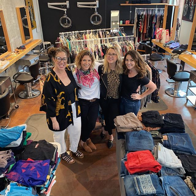 Spring Clean Clothing Exchange 2019 was a success! Thank you to our incredible community of Hood River for coming together for a fun filled evening of shopping, which in turn benefits @hhav_oregon a Local Womens's Shelter. If you missed the evening and still want to donate Helping Hands will gladly accept clothing, sheets, towels and other domestic items all in good condition!  Thank you to @robinallenstyle @winkhoodriver @upsidedownwine @slopeswell for your generous donations and time! Thank you to @cass_iddy and @thejendillardrealestateteam for helping bring this years Exchange to life! Thank you to @kalynbenaroya for dreaming this event up and continuing to bring our community together! #springcleanclothingexchange #hoodriver #helpinghands #community #giveback #hoodriversalon #upsidedownwine #slopeswell #clutchhairco #robinallenstyle