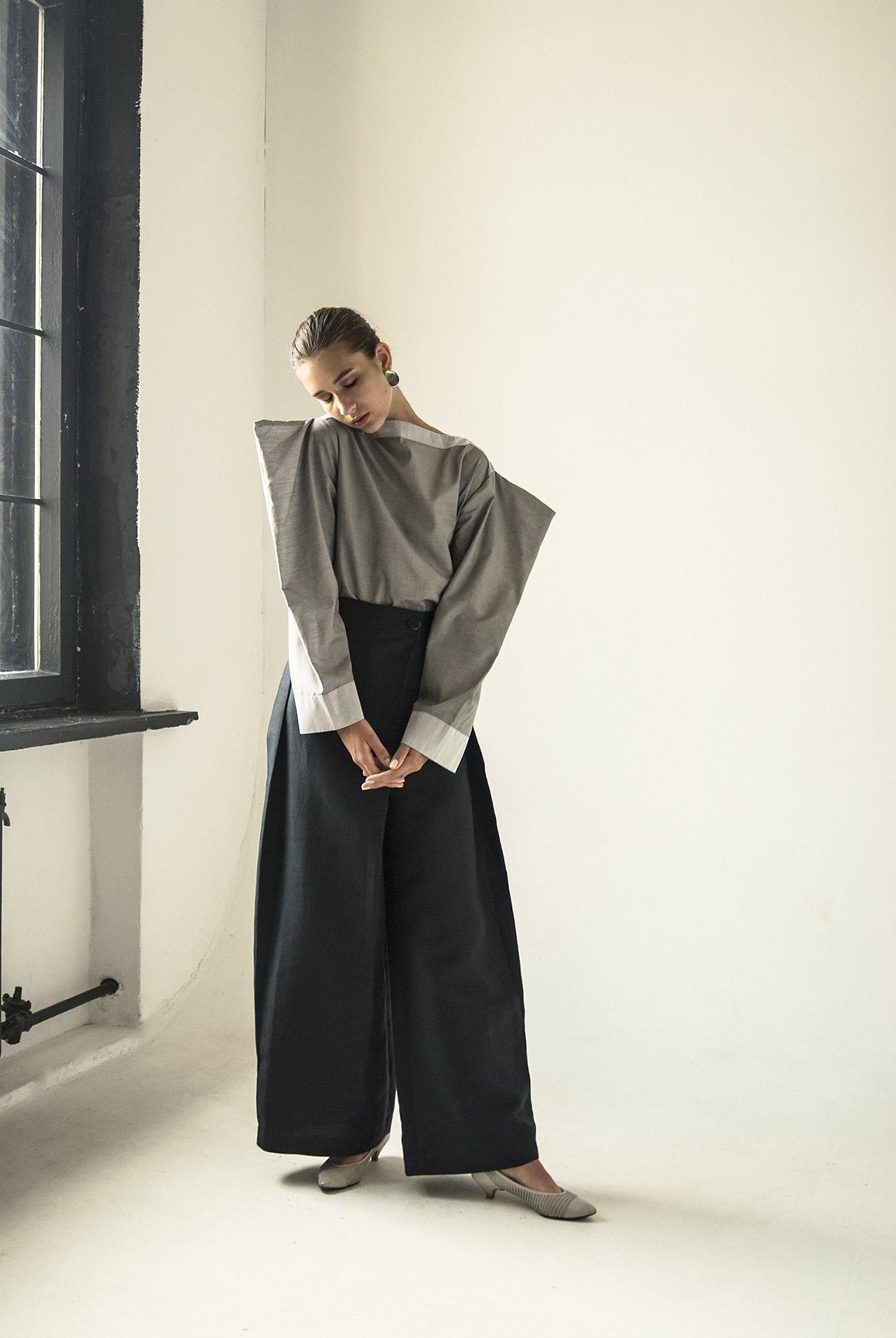 km-by-lange-cotton-gray-pyramid-blouse1+(1).jpg