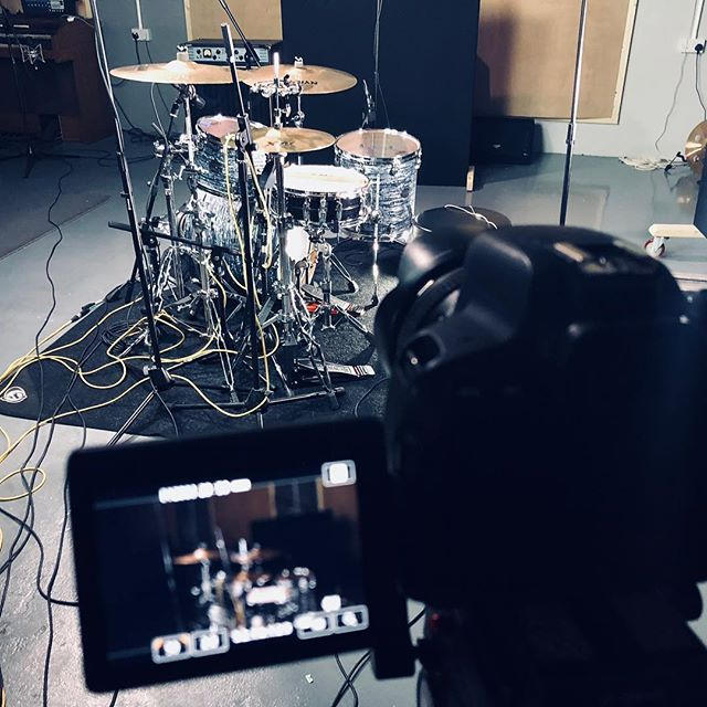 Filming something very special today @westernaudiorecording! Keep an eye out for a new video in the next few days!!