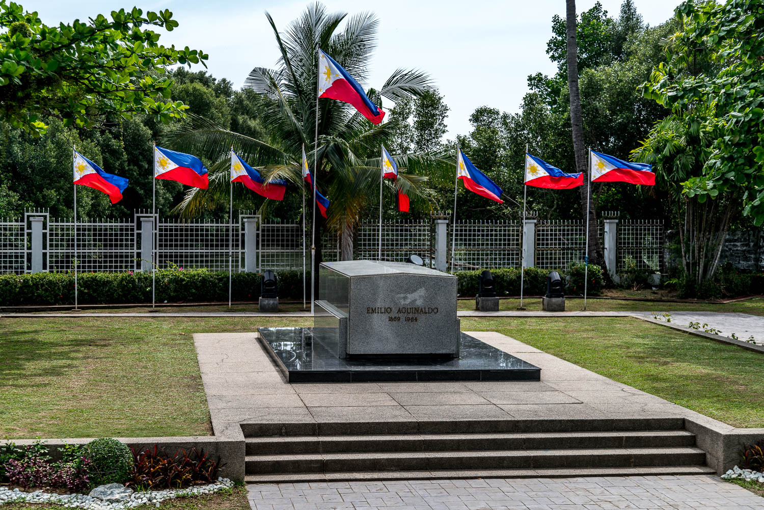 Aguinaldo's tomb is found in the middle of the garden at the back of the house.