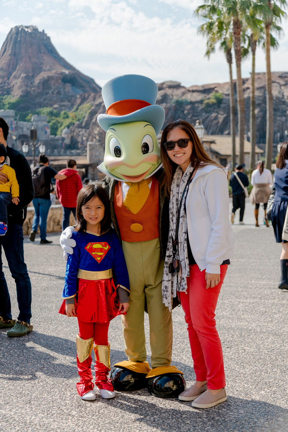 """T     OKYO DISNEYSEA   Me: """"Erin, I want a picture with Jiminy Cricket!"""" Erin: """"Ok."""" ....after the photo.... Erin: """"I don't even know who that is."""""""