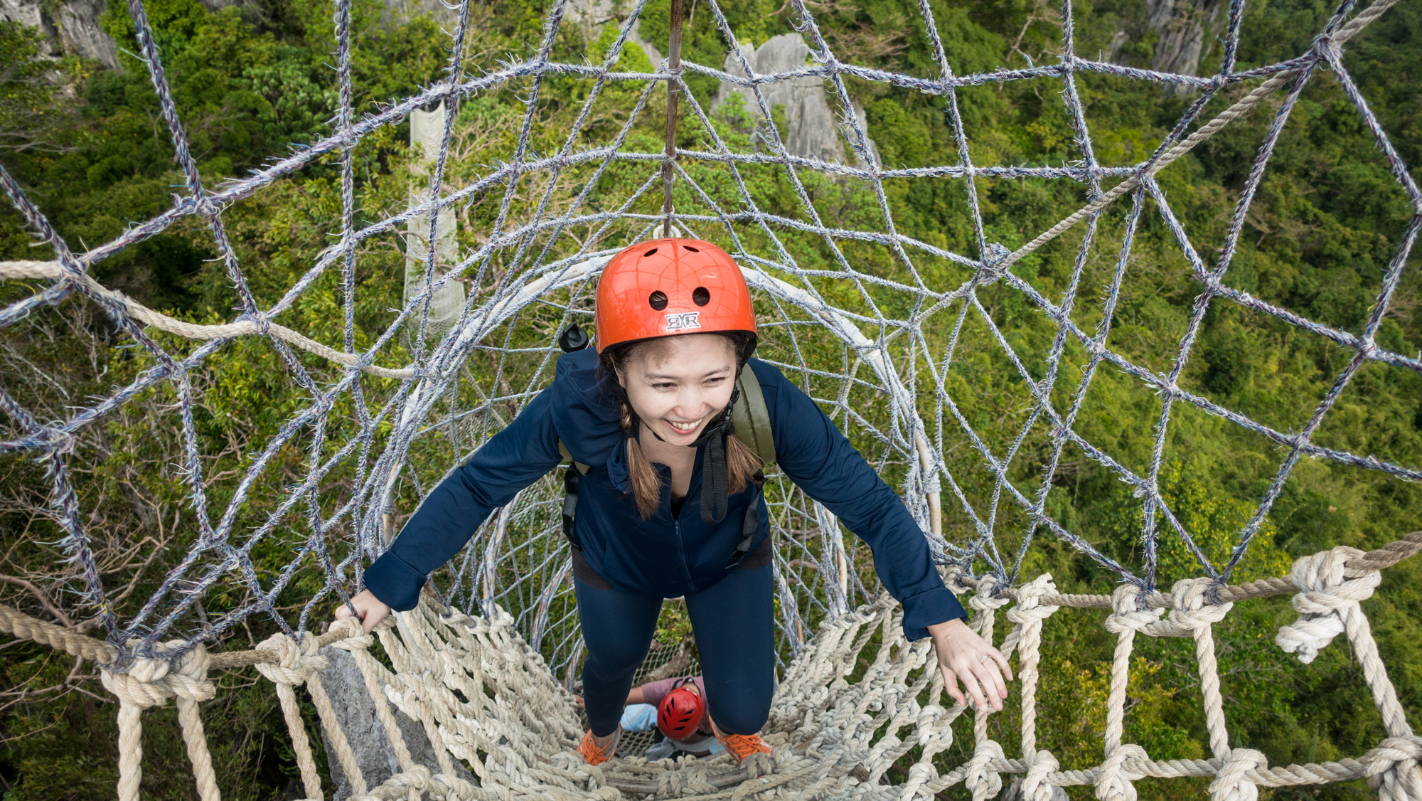 Speaking of fear of heights, I never knew I had one until I climbed up and down the ropes and seeing the great outdoors way way way way below my feet.