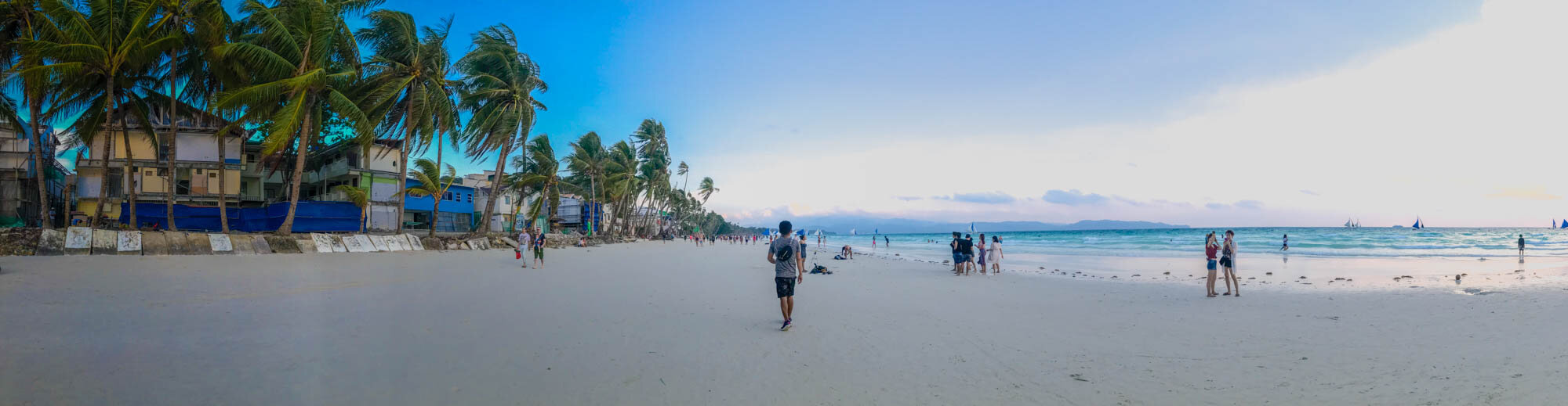 2019, White Beach. While the structures on the left can be a bit of an eyesore, it's important to note that even with construction and debris in the vicinity, the area is still clean and the beachfront is pristine.