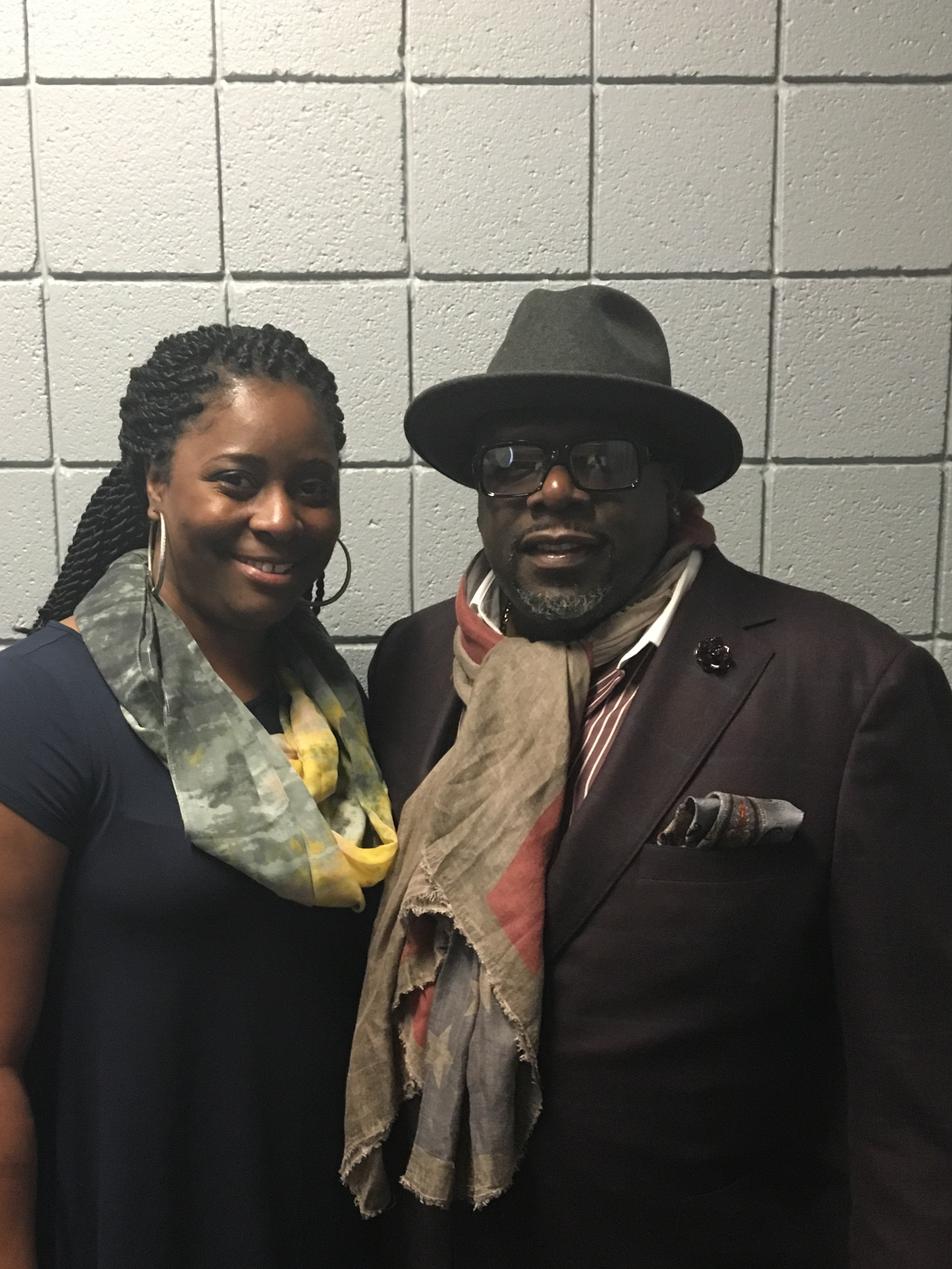 Cedric The Entertainer pictures with Cake Crazy owner Shetice Williams         www.  cakecrazybakery.com