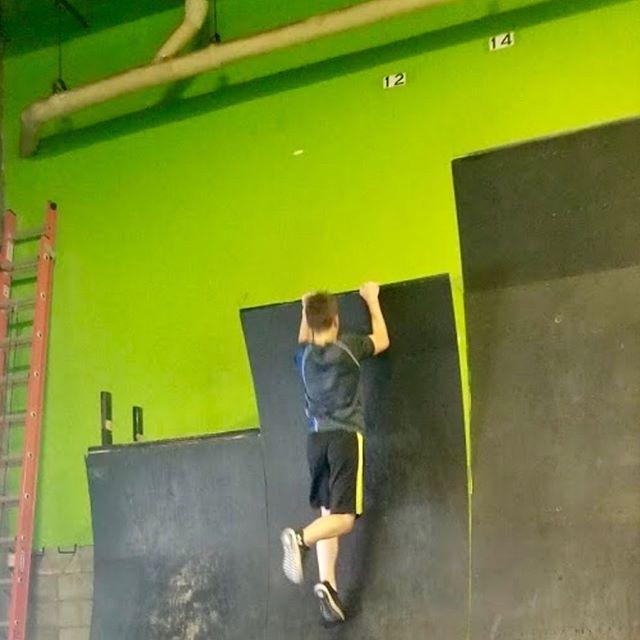@divewithnodc boyz of summer flying up walls, flinging into air @ocracademy dryland a different way : ) #summerfun2019 #parkour #acrobatickids #boysofsummer #makingtheirwaytothetop