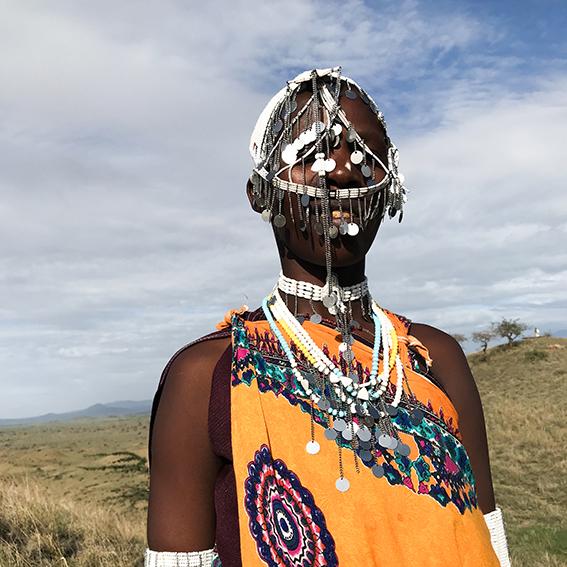 Anna / Ngabobo Village   Emusitai Elekunya head piece
