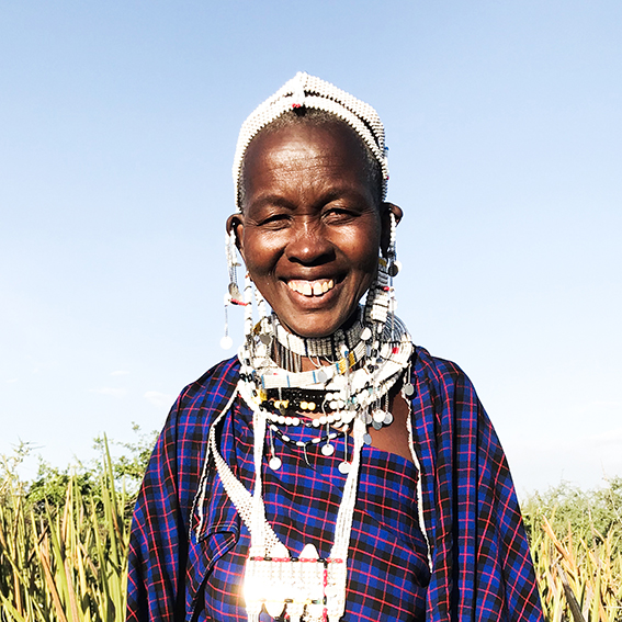 Mama Meri / Madebe Village   Oltende necklace