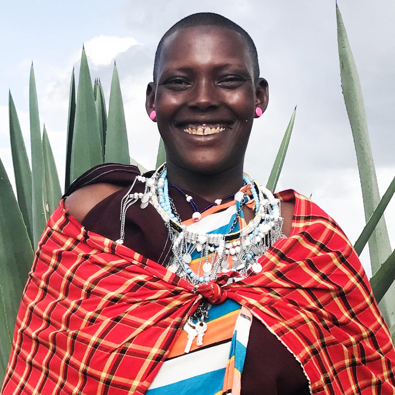 Helena / Lekirumuni Village   Isambaini necklace