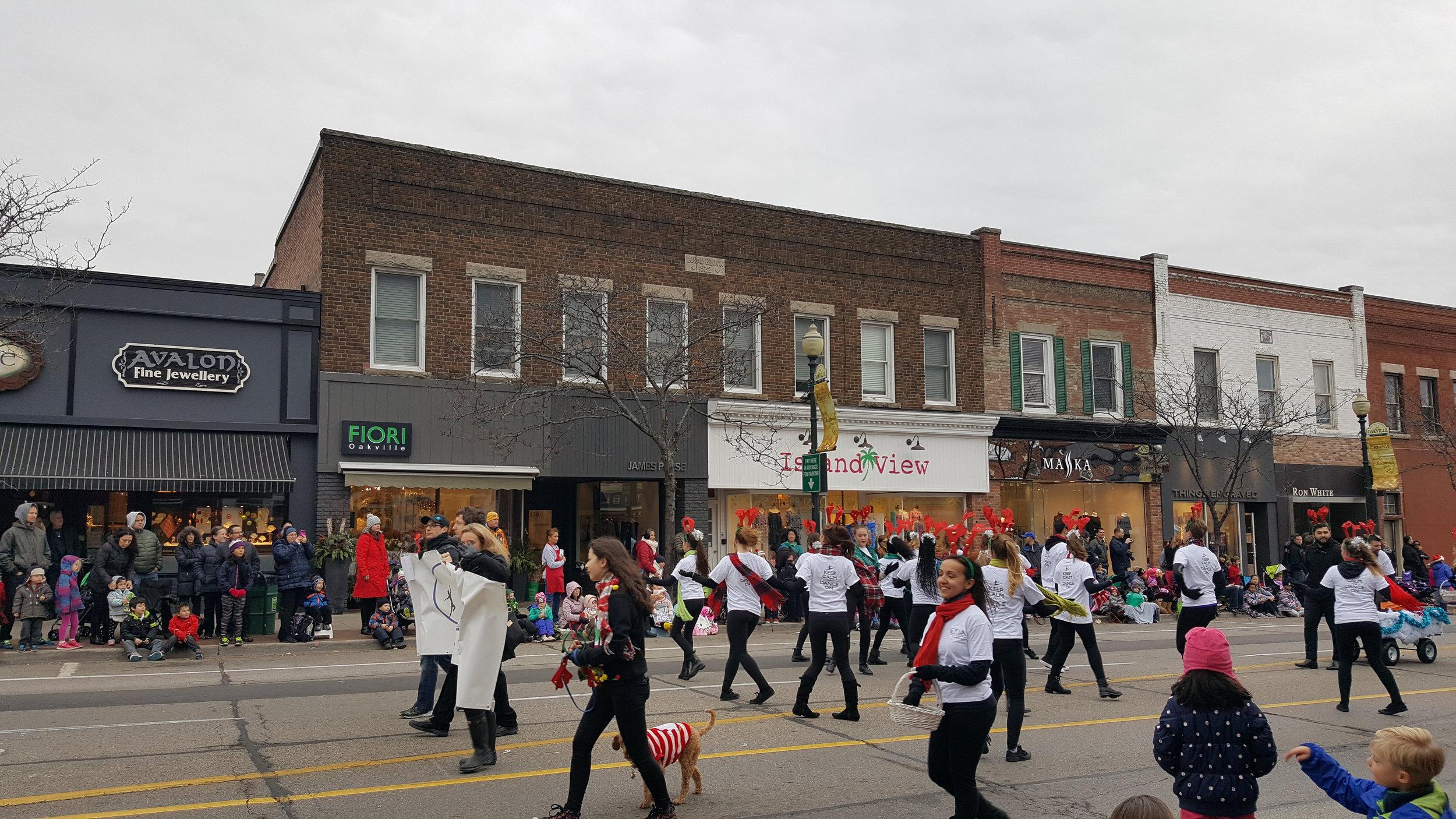 Oakville Parade 4.jpg