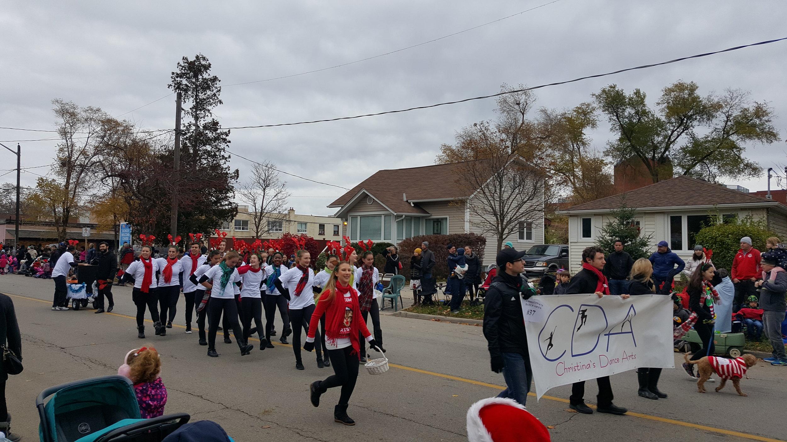 Oakville Parade 10.jpg