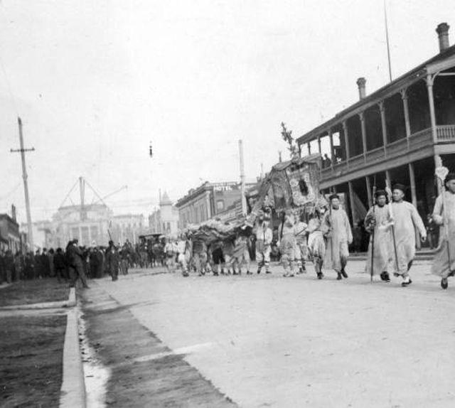 Chinese New Year Parade, Chinatown, 7th Street (now Capitol Boulevard), Boise, c. 1905, courtesy  Idaho State Archives & Library