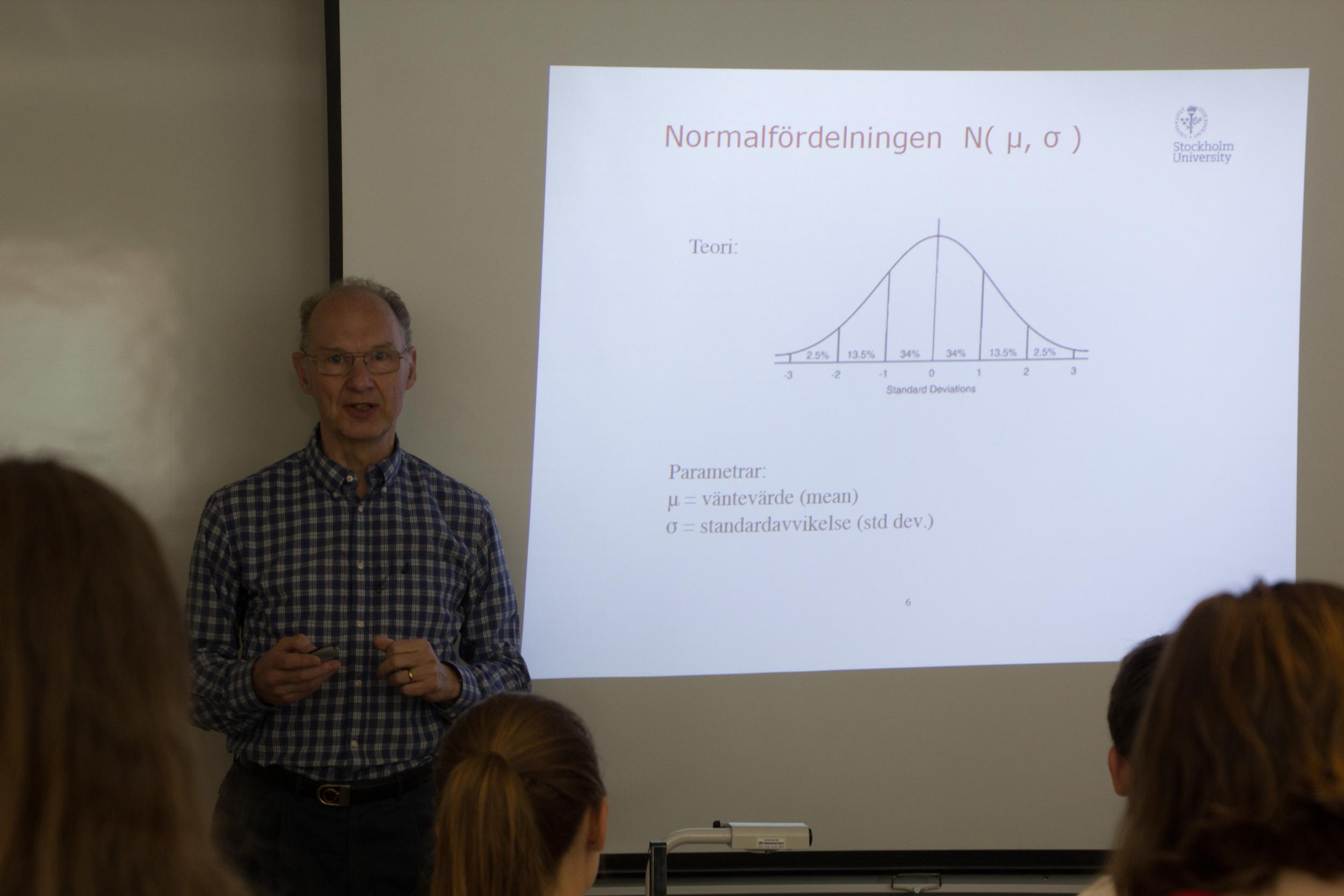 Rolf Sundberg berättar om normalfördelade data.