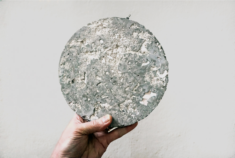 1.WALL-DISK_MELBOURNE_cement_disc_pic2_FINAL_1000pxl.jpg