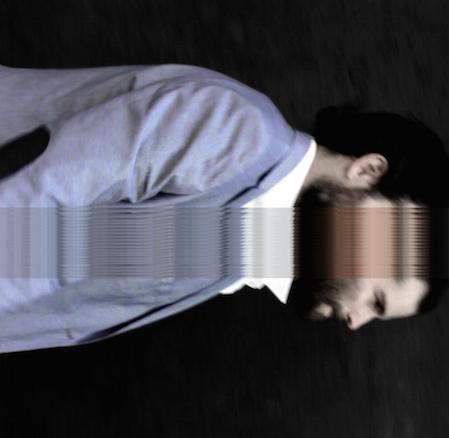 Musikperformance von  Dan Freeman : 21:30 Foto: Matzaa Wahorn