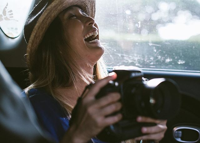 Apparently I'M FUNNY 🙋🏻♂️ @kayslr . . . . . . . #friendsarepcool #friendship #laughs #camera #nikon #backseat #vacationhat #breaktime #ajaja #kapiolani #photographer #laugh #laughter #shaka #luckywelivehawaii #luckywelivehi #livealoha