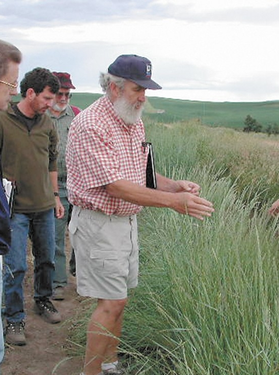 Dave Skinner, leading a prairie remnant tour in 2015