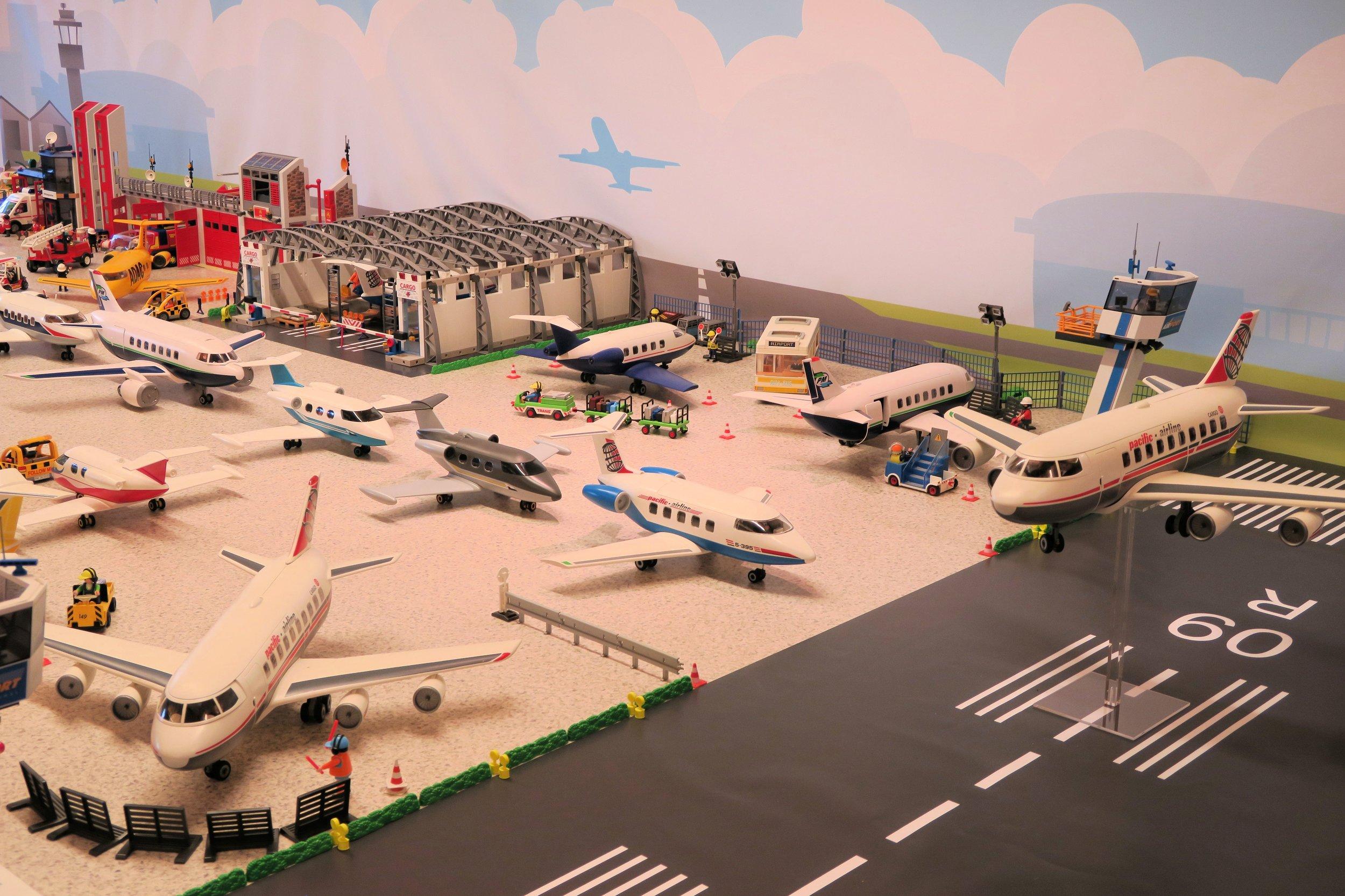 Hajo Brandenburg - Airport01.jpg