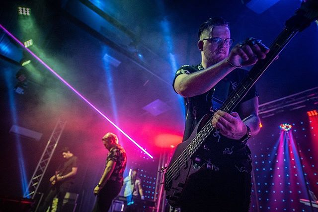 Can't wait to kick it with our friends in Seattle tonight! Hitting the stage with @richloveofficial @chloeywilson.official and @hattersband 🔥 Doors open at 6:30 📷: @scottbutner  #concertphotography #rock #concert #Seattle #PacificNW #tour #live #music #musicman #bass #stingray #lights #lazers