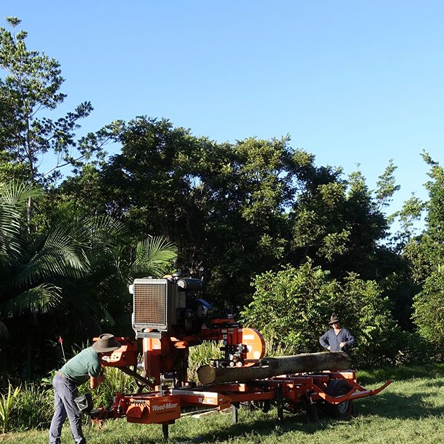 #lunedesang open day with The Quality Timber Traders Organization Woodfest farm tour...the sawmill in action!