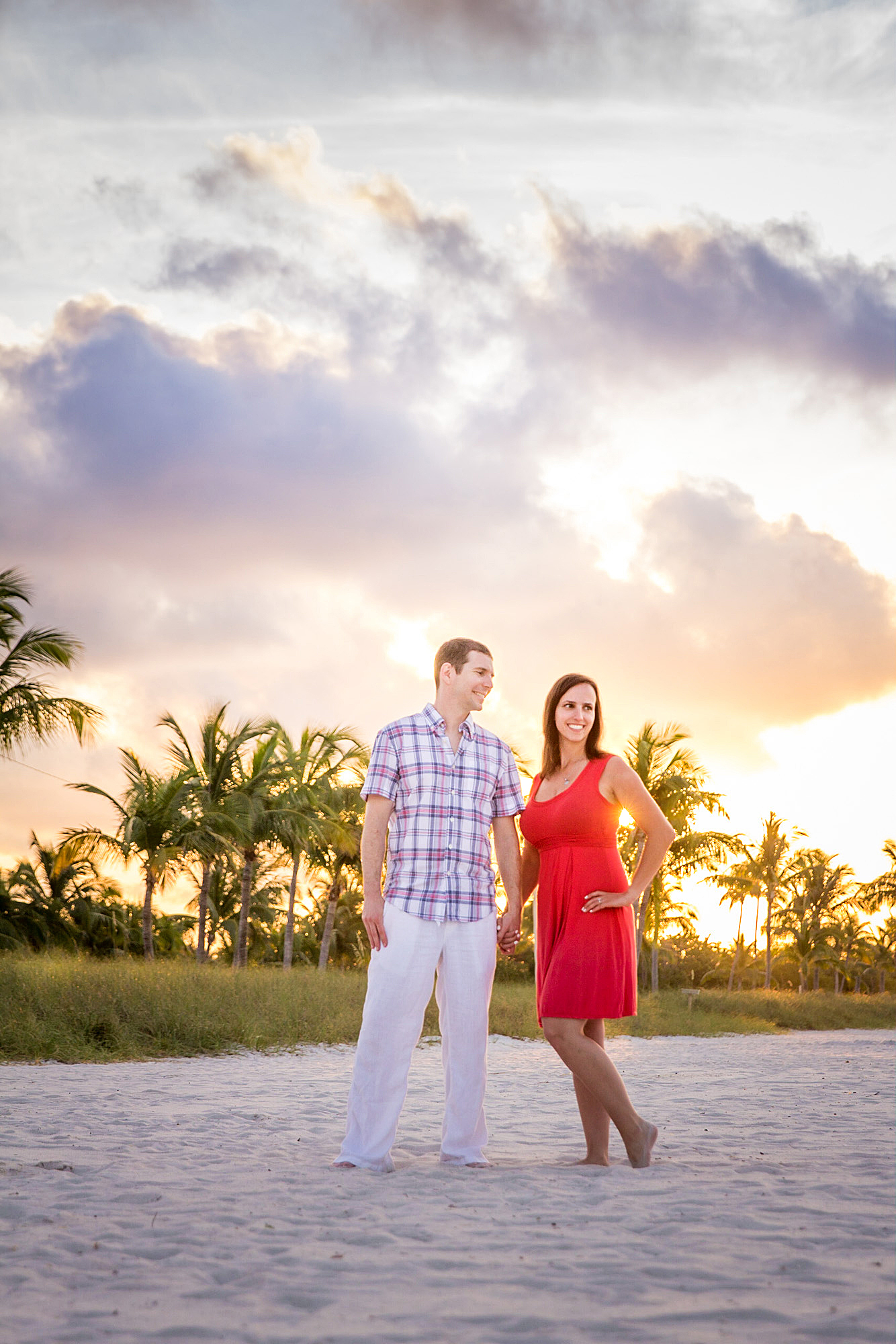 Couple-Engaged-At-Sunrise-on-Smathers-Beach-Key-West.jpg