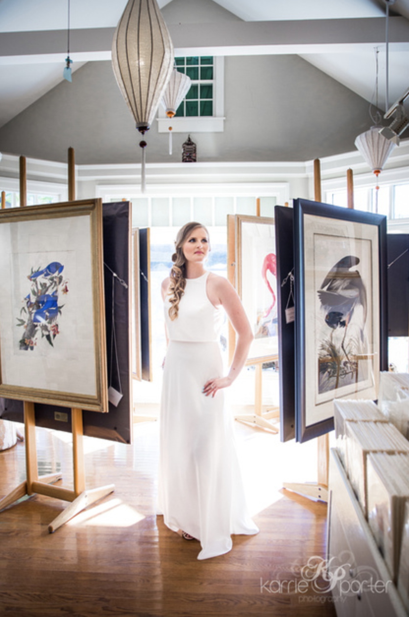 Bride-Posing-Between-Art-At-Audubon-House-Key-West.png