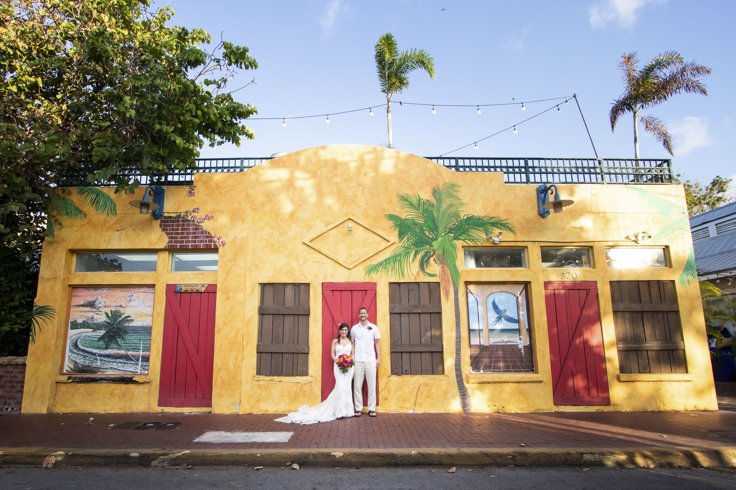 Bright colorful bulidings in Key West for wedding pictures