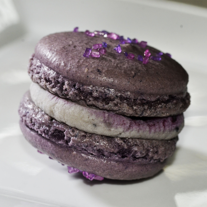 Valrhona Ivoire chocolate, summer berries, chocolate mint