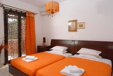 Second Floor Twin Bedroom (Copy).jpg
