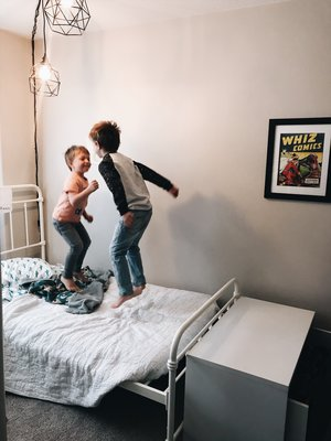 """<p><strong>EP 023</strong>TIPS FOR WHEN YOUR KIDS ARE SHARING A ROOM<a href=""""/shownotes/023"""">More →</a></p>"""