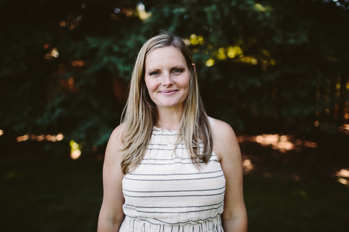 """<p><strong>EP 040</strong>HOW TO STAY CLOSE WITH YOUR SPOUSE - WITH JENNIFER SMITH (THE UNVEILED WIFE)<a href=""""/shownotes/040"""">More →</a></p>"""