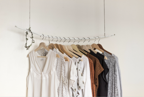 """<p><strong>EP 005</strong>I DON'T HAVE A CAPSULE WARDROBE, AND HERE'S WHY<a href=""""/shownotes/005"""">More →</a></p>"""