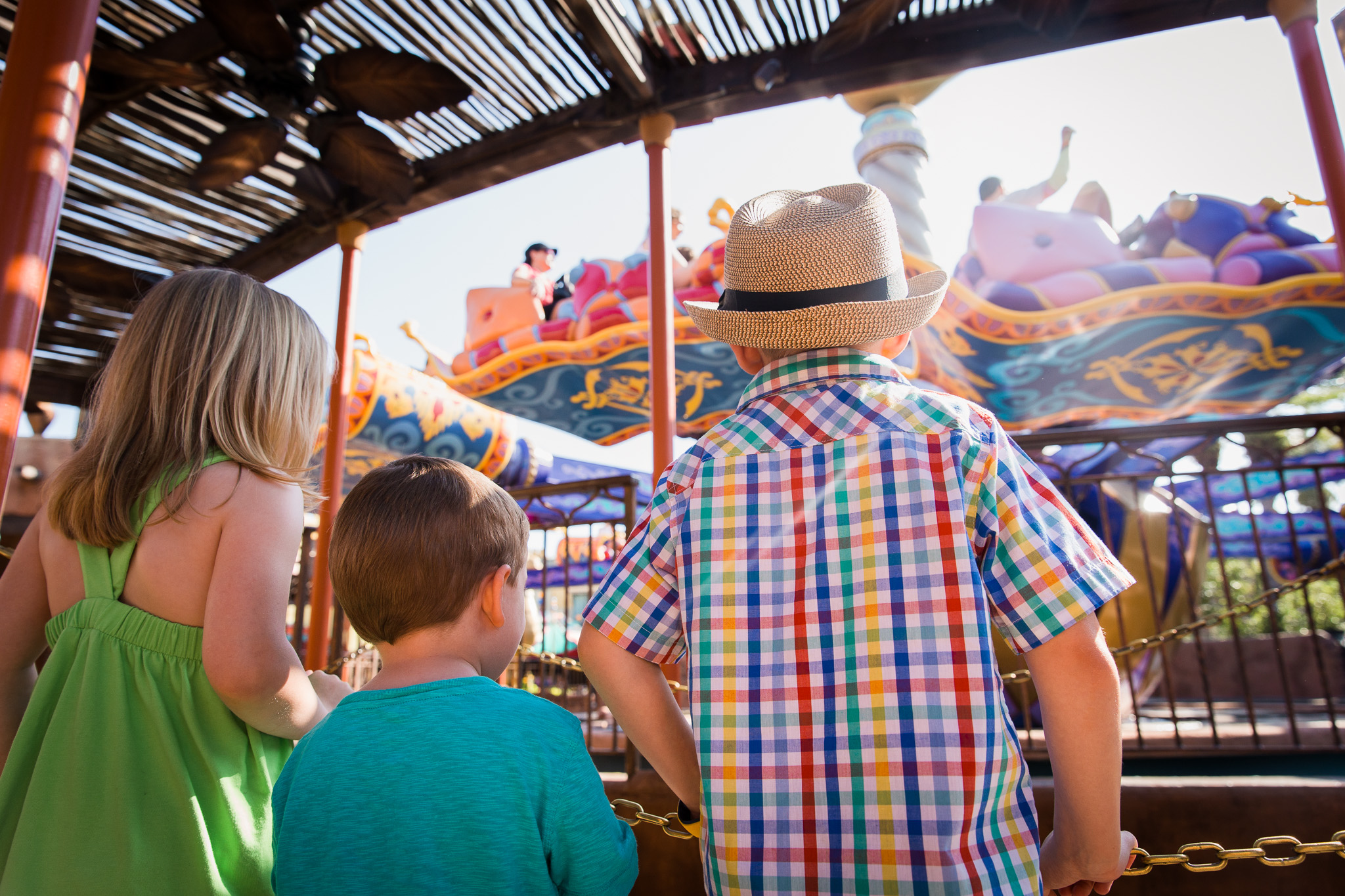 magic kingdom photographer / disney family photos / disney documentary photographer
