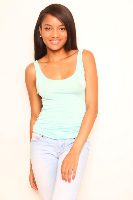 Aaliyah-012.jpg