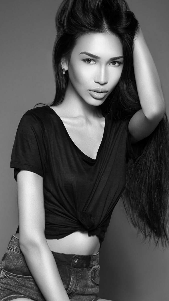 Zarina-004.jpg