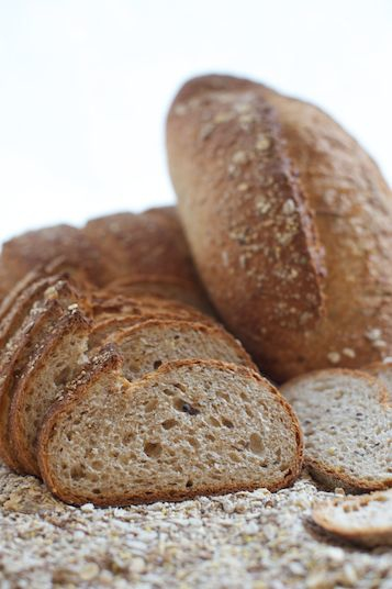 MULTIGRAIN  Made with mix of unbleached, whole wheat and dark rye flour with a touch of honey, sugar and blend of grains.
