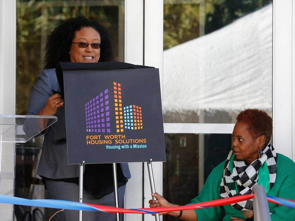 Naomi Byrne unveils the Fort Worth Housing Solutions logo earlier this year. Ross Hailey Star-Telegram archives