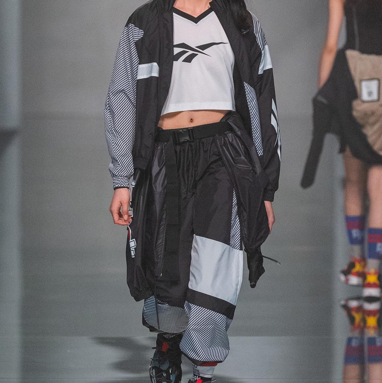 https---hypebeast.com-wp-content-blogs.dir-6-files-2019-03-reebok-advanced-concepts-sole-fury-shanghai-fashion-week-3.jpg