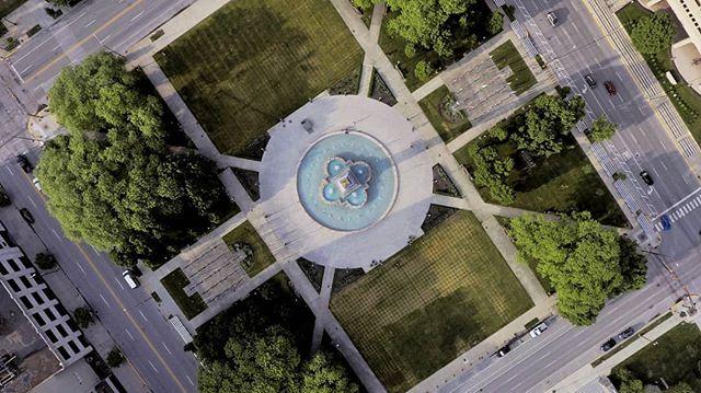 Brócoli. . . . . . . . #drone #dronephotography #droneshot #phantom4 #dji #summer #sunset #djiphantom #aerealphotography #veteransmemorial #street #square #fountain #instagram #instadrone #dronefly #dronestagram #dronesdaily #dronepilots #droneporn