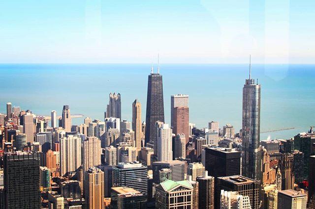 This place tho. . . . . #chicago #ilinois #willistower #love #❤️ #instacity #bluesky #michiganlake #skyline #bigcity #trumpf #alcapone #ozark #downtown #downtownchicago #summer #summerday @chicago @visit.chicago @choosechicago #lovethisweather #fuckwinter #canon @canonusa #cityphotography