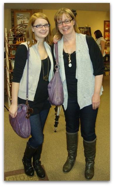 2015 Mother/Daughter look alike contest winners!