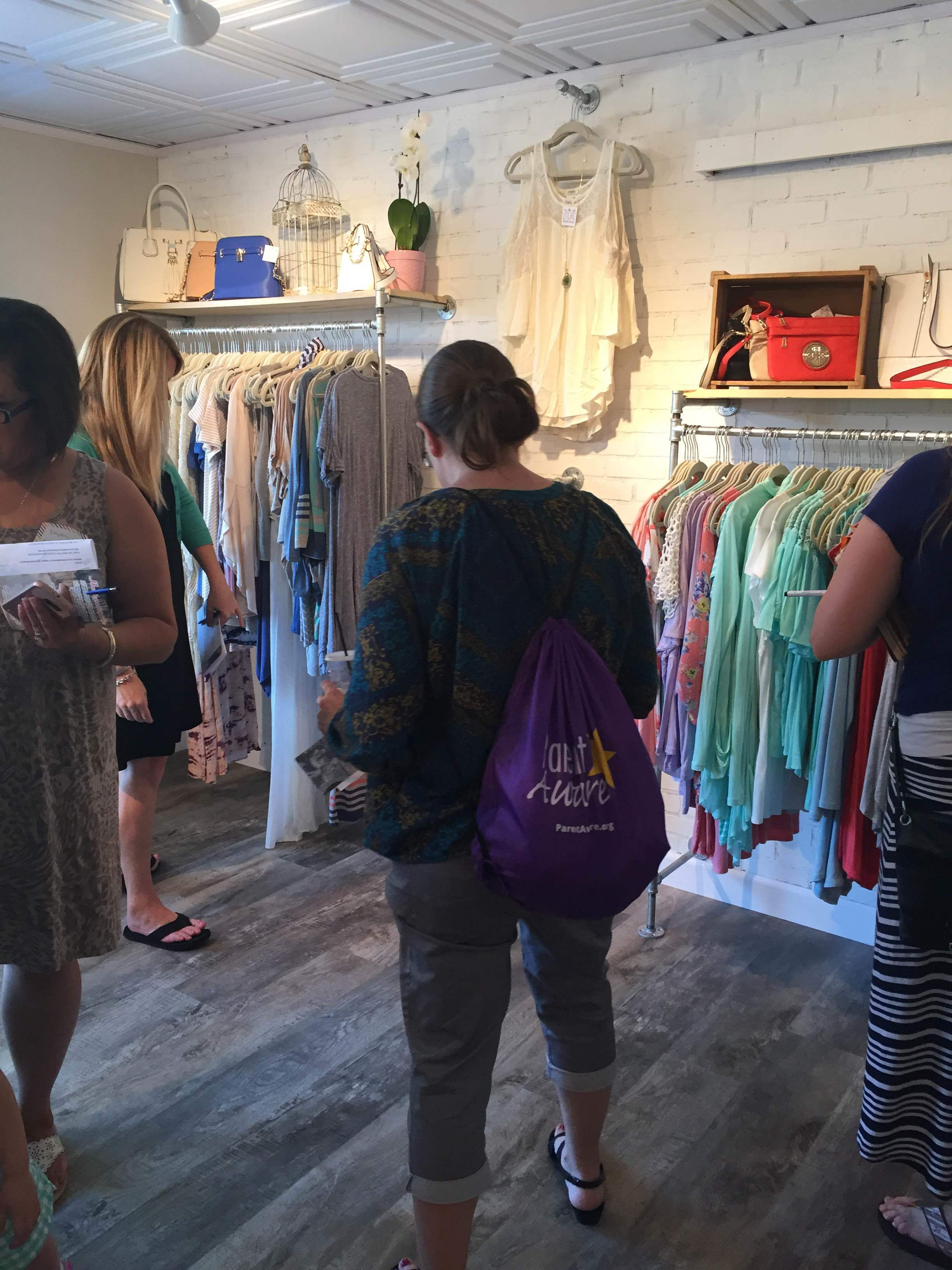 Bloggers shopping!