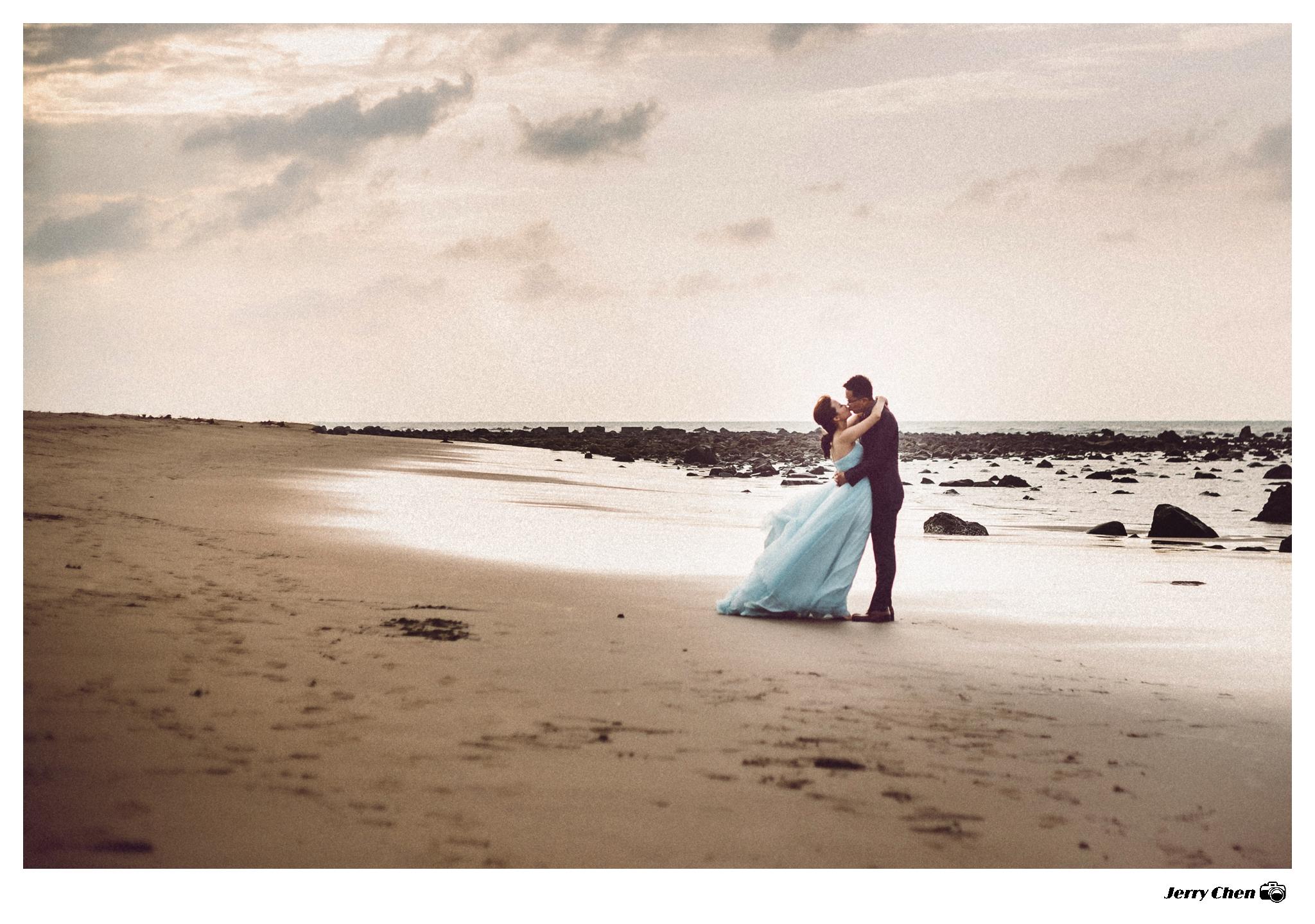 [淡水沙崙夕陽婚紗攝影 - Pre-Wedding Photography] Coco + Tony