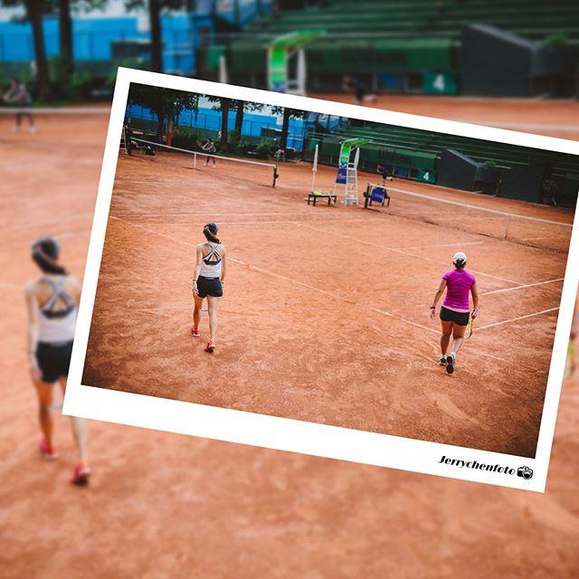 [About Tennis] 隨手拍  Tennis永遠是我的最愛,認識我的人都知道哥除了攝影 / 設計做做圖之外,最愛的運動莫非是網球了,不過這陣子迷上了單車/攀岩/羽球,前陣子剛打完球賽,正值WIMBLEDON網球週,圖修著修著不來幾張實在是對不起自己熱血的心啊 ! 這是戰士上場前的背影,每場球都要有不能輸的決心與認真的態度,才能懂得勝利果實的甜美。  Photography: #Jerrychenfoto Location: #MST國際穿線團隊 #ISSA 蓬勃運科學院  www.jerrychenfoto.com 👰💘🤵📞歡迎預約婚紗婚禮及各式拍攝檔期 line:#isly5157 FB:#jerrychenfoto婚攝傑瑞哥 #wedding #portrait #jerrychenfoto #love #marriage #活動紀錄 #台北婚攝 #人像寫真  #婚攝傑瑞哥 #MST國際穿線團隊 #自然記事 #光影紀事 #活動紀錄