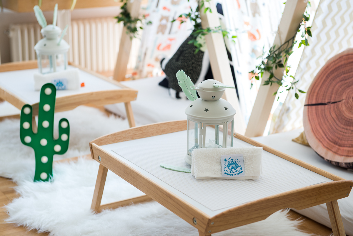 hoiberlin-teepeefriends-kids-sleepover-wildadventures-zurich-detail-table.jpg