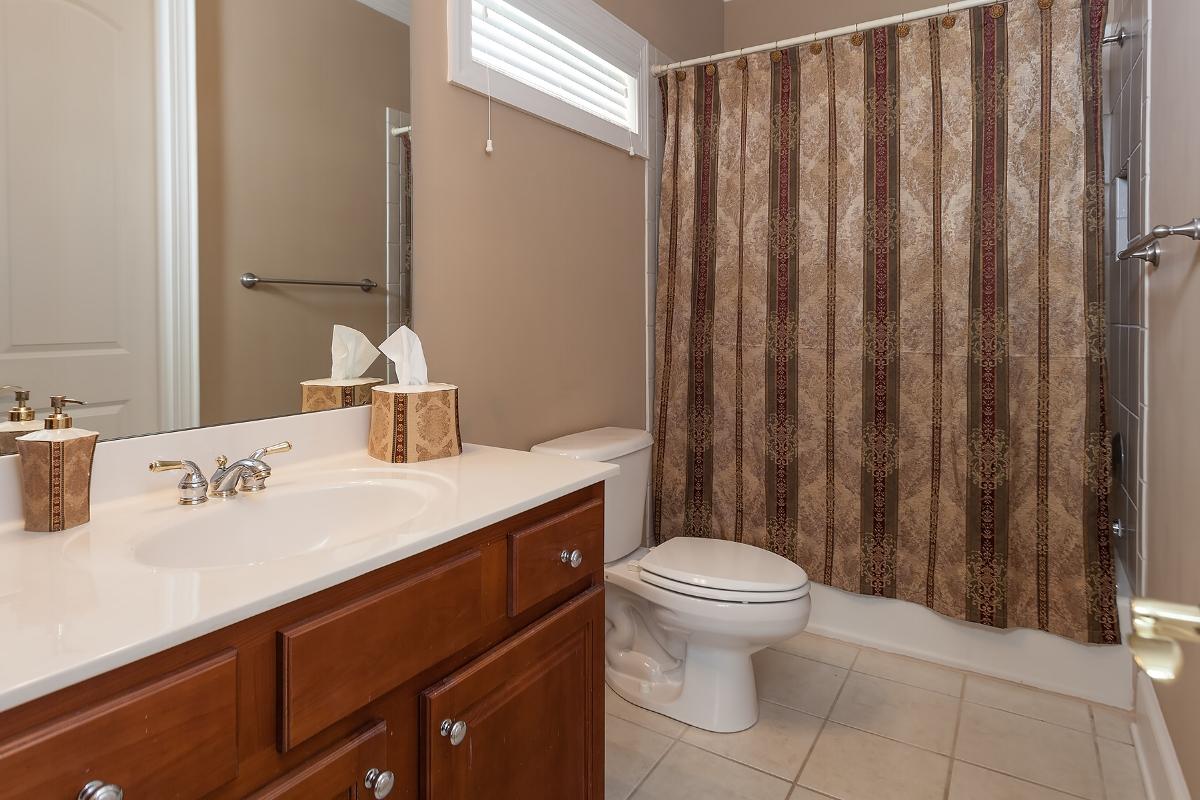 br-1-full-bathroom.jpg