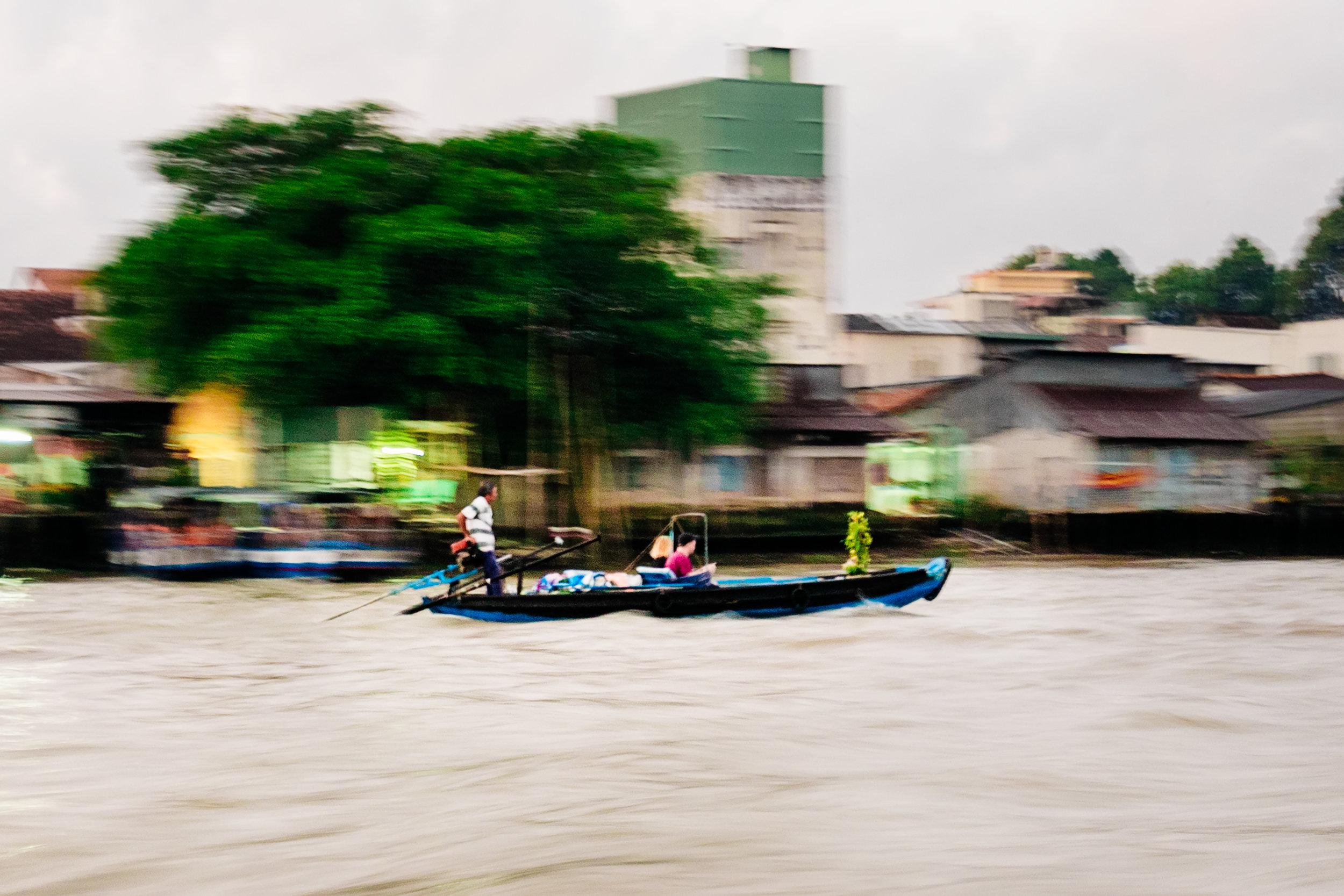 tracking-boat.jpg