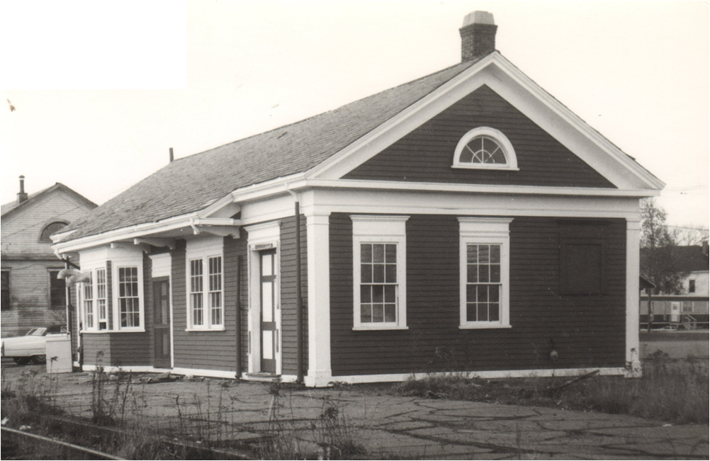 Canaan's new depot and freight shed (background). Courtesy Canaan Historical Society.