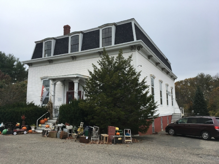Stratham's former town hall is privately owned, but the Heritage Commission is looking to put an easement on it.