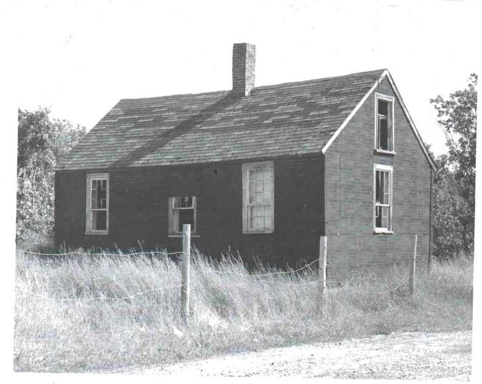 Whitten House Photos circa 1974 9.jpg
